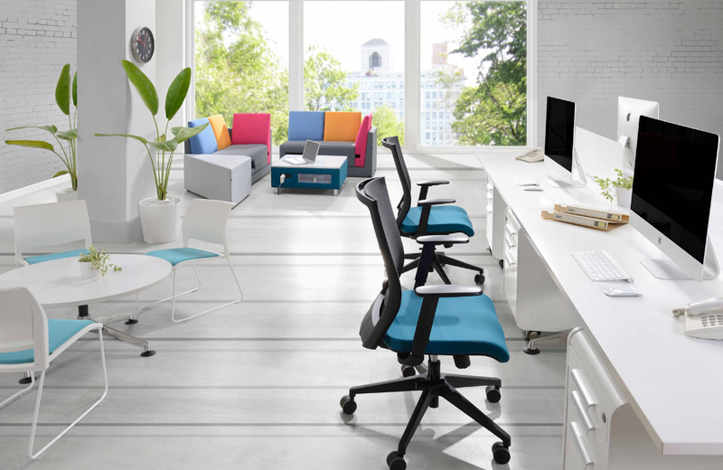 NAVA collection is available in different height of seating posture, giving users the most ultimate sitting experience while brainstorming.