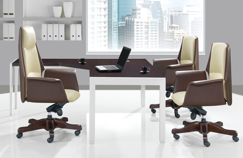 Incorporating a sleek and bold update of classic lines, MIRANDO emanates elegance and panache which few other executive chairs can match.<br><br> Functional and in combination with the elegant four star base or classic wooden base, it exudes a class of its own. The fine decorative seams together with the zoned padded seat and backrest make the aesthetically designed MIRANDO a truly magnificent chair.