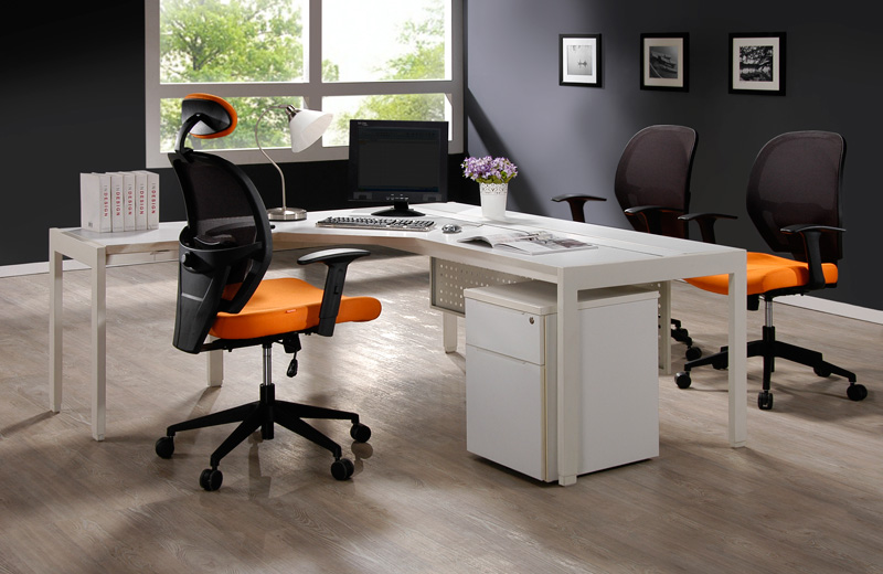 Inspiring and high performance design with its ergonomic structure presents endless solution to support individuals of different heights and sizes.<br><br> Wisely designed to suit the users, we have two sizes of seat rest as an option. One with a large seat pan for large sized people and another for normal sized people. The ergonomic structured height-adjustable and depth-adjustable lumbar support ensures optimum support in any sitting position.