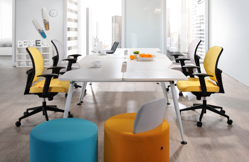 Inspiring and high performance design with its ergonomic structure presents endless solution to support individuals of different heights and sizes.<br><br> Wisely designed to suit the users, we have two sizes of seat rest as an option. One with a large seat pan for large sized people and another for normal sized people. The ergonomic structured height-adjustable and depth-adjustable lumbar support ensures optimum support in any sitting position