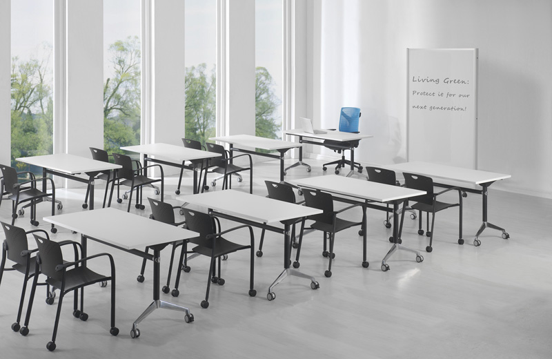 Multiple uses. One chair provides a variety of solutions - in meeting spots, multipurpose rooms, as workstation guest seating, in drop-in and hoteling workstations, conference rooms, team areas, breakout spaces, and training areas.